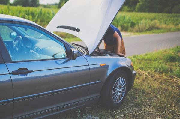 Autopanne offene Motorhaube