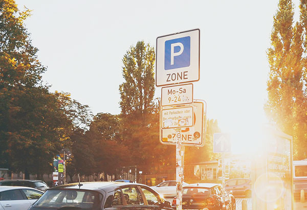 Parken-Zone Straßenschild