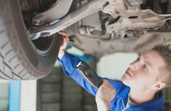Überprüfung Reifen Werkstatt