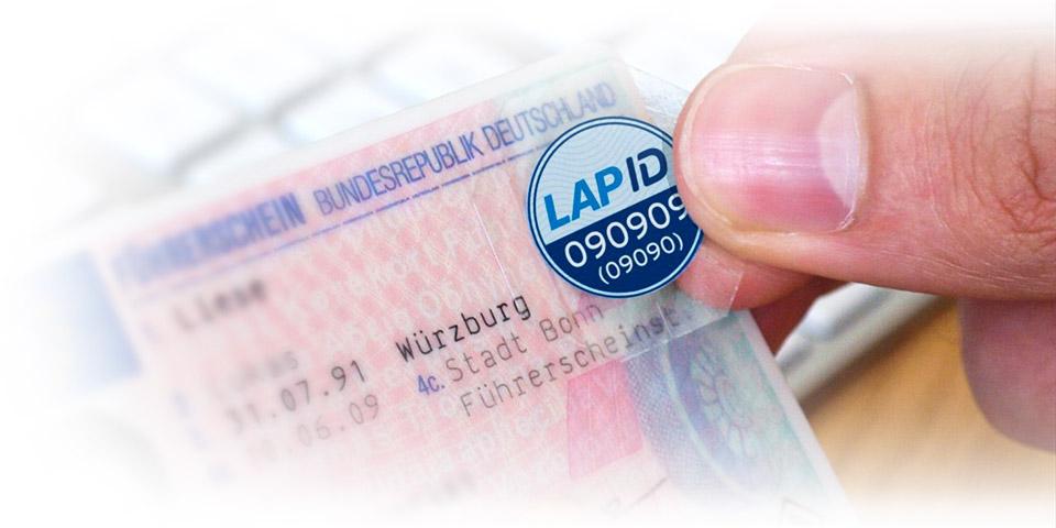 Siegel auf Führerschein anbringen