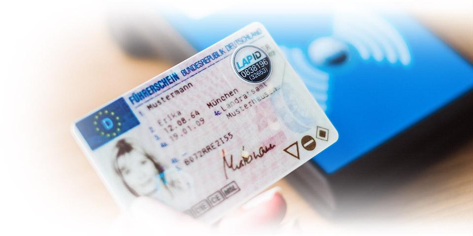 Führerschein mit LapID Siegel und Prüfstation
